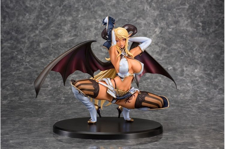 Sadakage Illustration - 1/5.5 Muma Astacia Tanned Ver. PVC Figure
