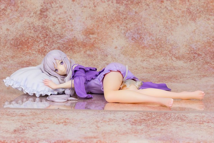 Re:Zero Starting Life in Another World - 1/7 Emilia Sleep Sharing Ver. PVC Figure