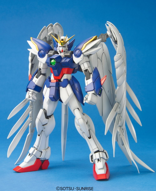 Mobile Suit Gundam Wing Endless Waltz - 1/100 MG Wing Gundam Zero Custom Model Kit