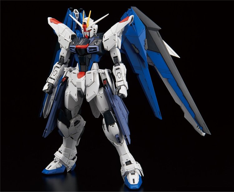Gundam Seed - 1/100 MG Freedom Gundam Version 2.0 Model Kit