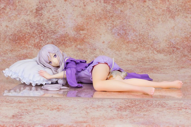 Re:Zero Starting Life in Another World - 1/7 Emilia Sleeping Ver. PVC Figure